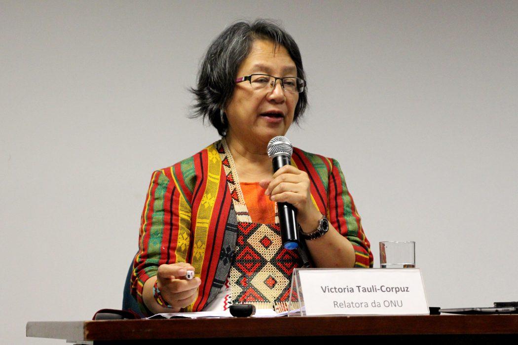 Relatora da ONU, Victoria Tauli-Corpuz, em entrevista coletiva na sede da ONU, em Brasília, após visita ao Brasil. Foto: Tiago Miotto/Cimi