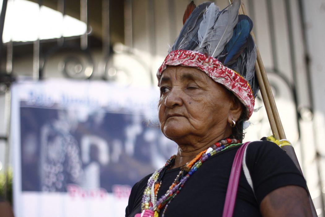 Anciã Akroá-Gamella na ocupação à sede da Funai, em São Luís (MA). Crédito: Renato Santana/Cimi