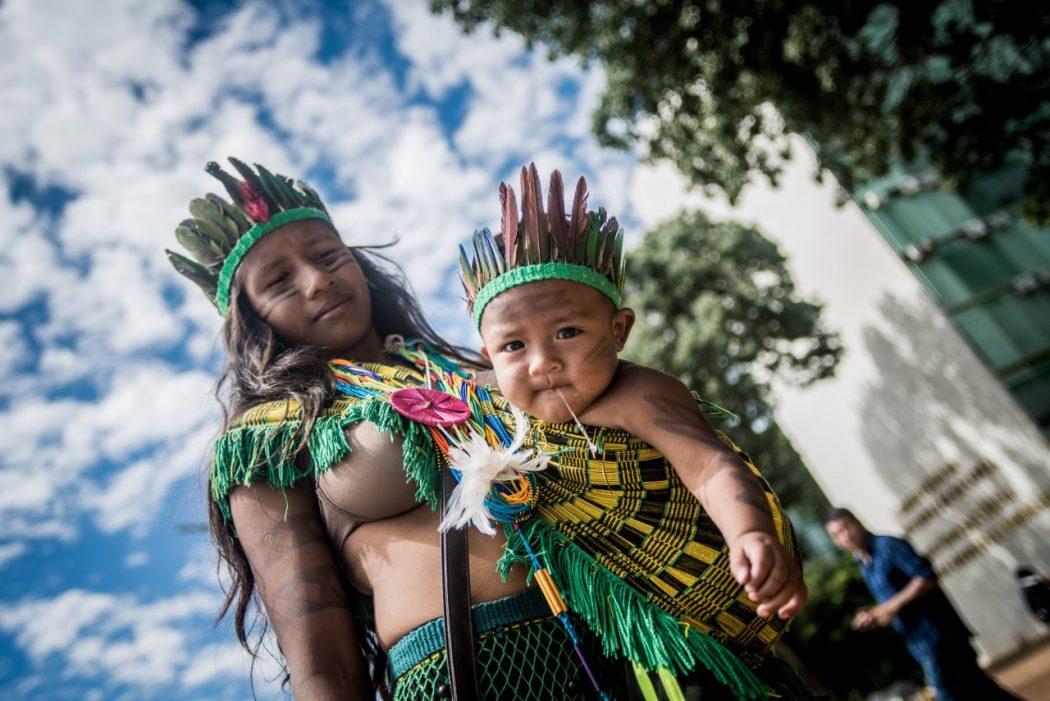 Para a saúde da mulher e da criança indígenas sobram promessas e faltam soluções