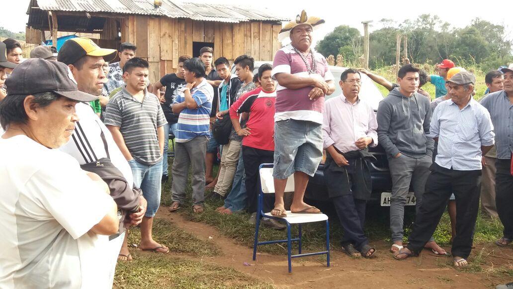 Cacique Luís Salvador faz fala durante ato. Foto: Ivan César Cima/Cimi Regional Sul