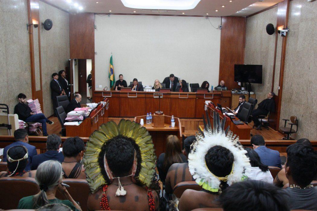 Indígenas acompanham julgamento do caso Myky no TRF-1, em Brasília. Foto: Ascom/TRF-1