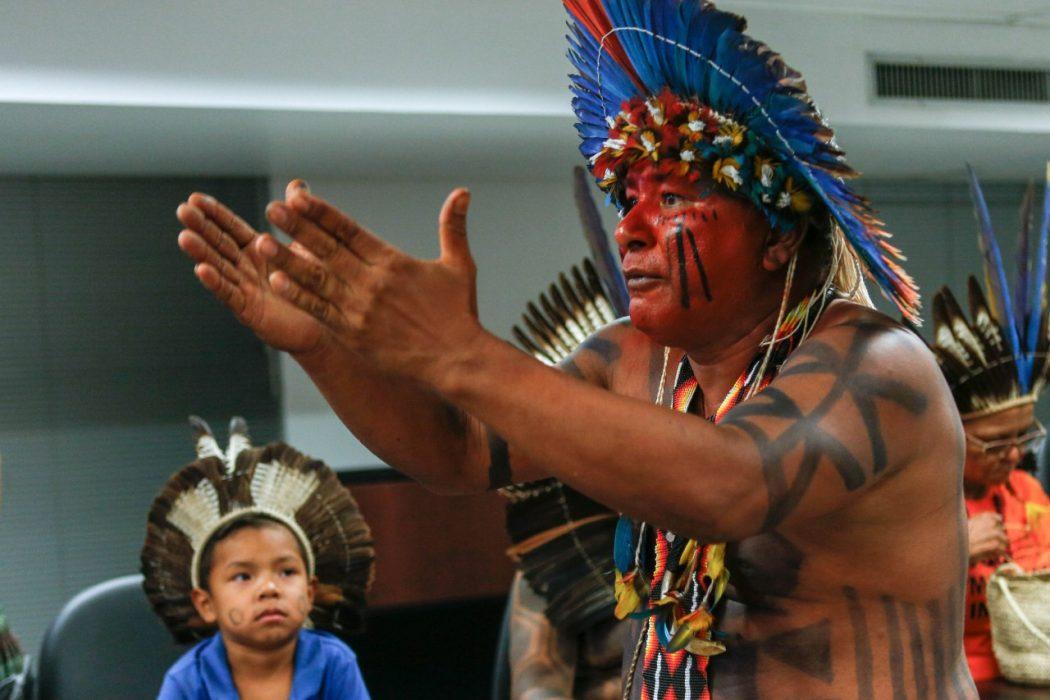 """Vídeo: indígenas exigem da AGU regovação do """"Parecer do Genocídio"""""""