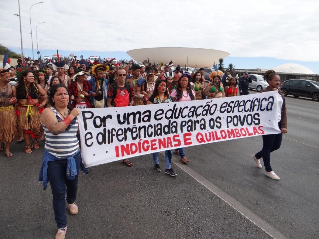 """""""Por uma educação específica e diferenciada para os povos indígenas e quilombolas"""". Foto: Laila Menezes/Cimi"""