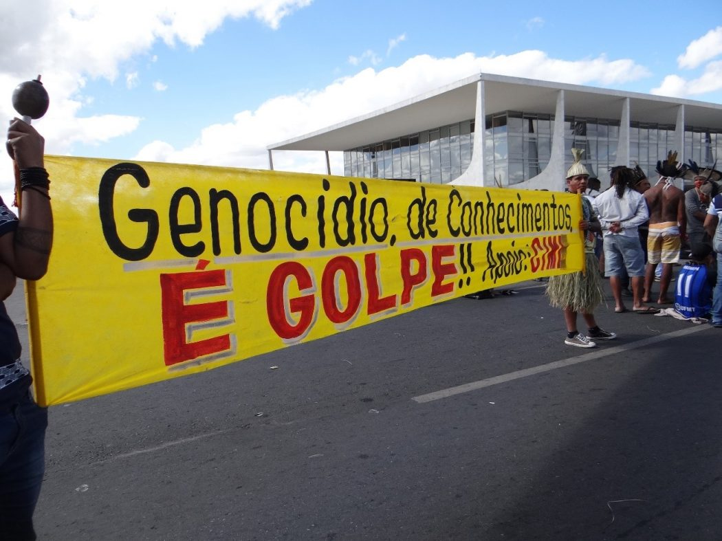 """""""Genocídio do conhecimento é Golpe"""". Foto: Laila Menezes/Cimi"""