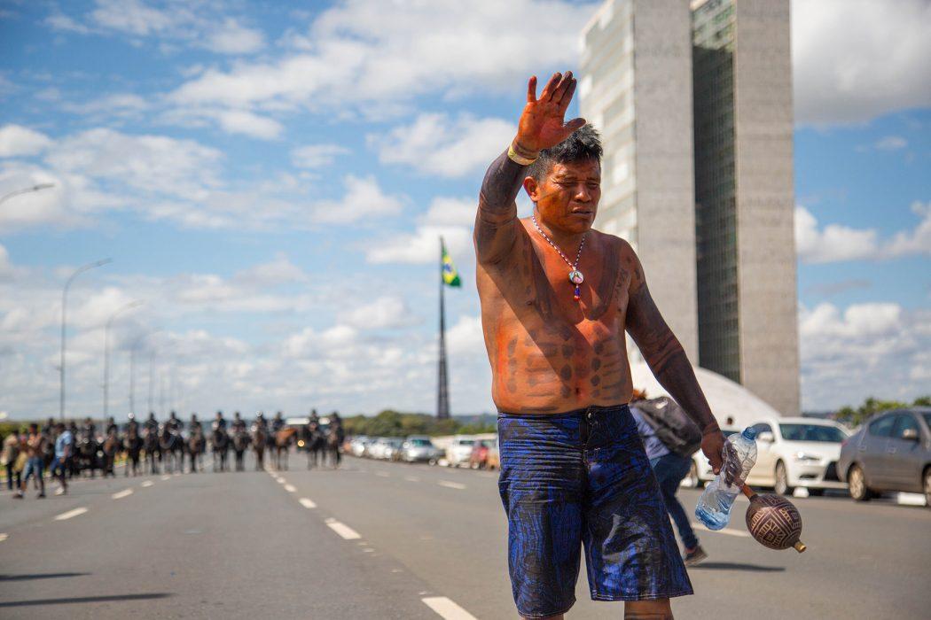 Durante o ATL 2018, indígenas marcharam em Brasília em defesa de seus direitos originários. Foto: Guilherme Cavalli/Cimi