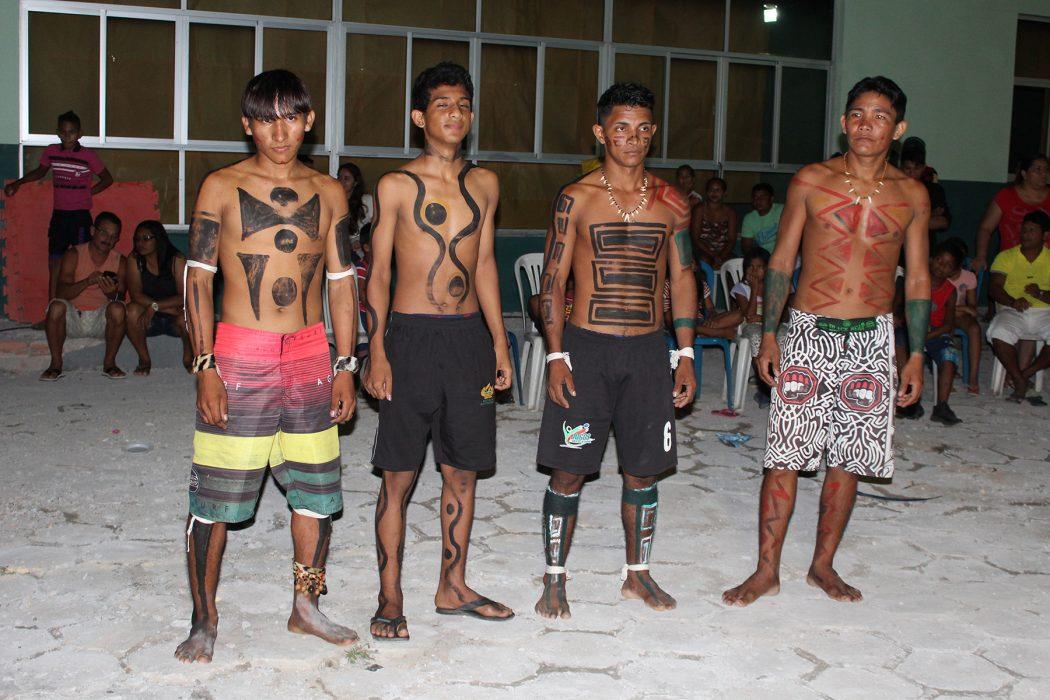 Jovens Maraguá em apresentação cultural na cidade de Nova Olinda do Norte (AM). Foto: J. Rosha/Cimi Norte 1