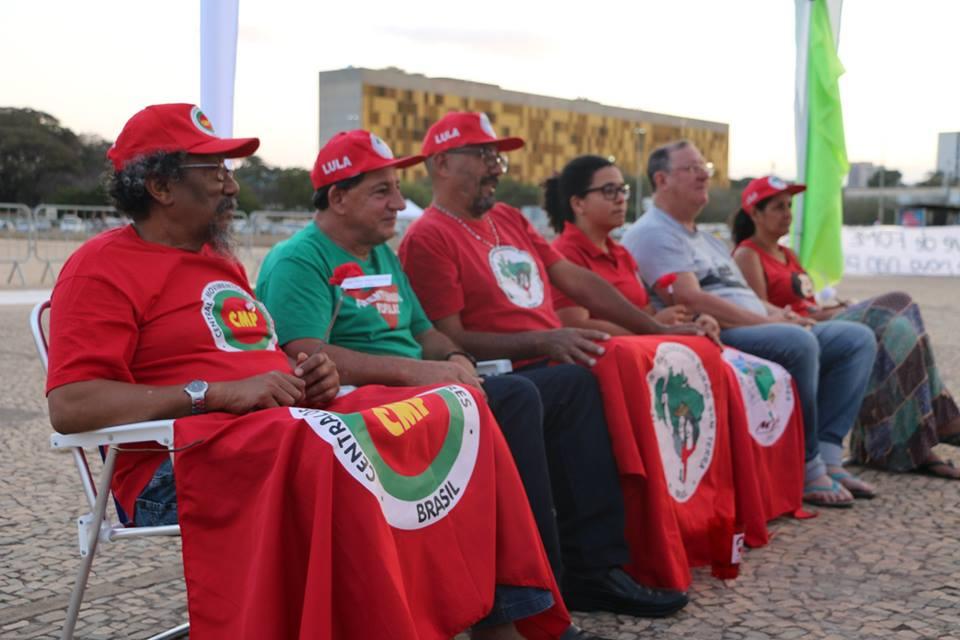 Grevistas em frente ao STF. Foto: Adilvane Spezia/MPA e Rede Soberani