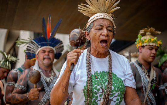 Indígenas do povo Xukuru participaram do ato no CCBB, sede da equipe de transição do governo Jair Bolsonaro. Foto: Tiago Miotto/Cimi