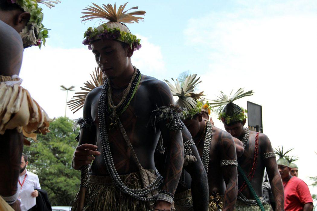 Respeito aos direitos constitucionais indígenas, demarcação de terras e manutenção da Funai no MJ foram algumas das reivindicações dos indígenas. Foto: Michelle Calazans/Cimi