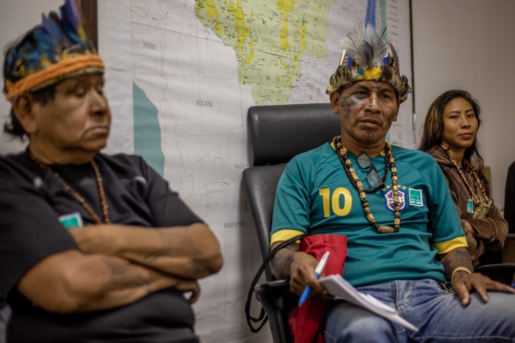 Lideranças revezaram-se no pedido de informações e reforçaram as demandas de outros povos da região norte. Foto: Tiago Miotto/Cimi
