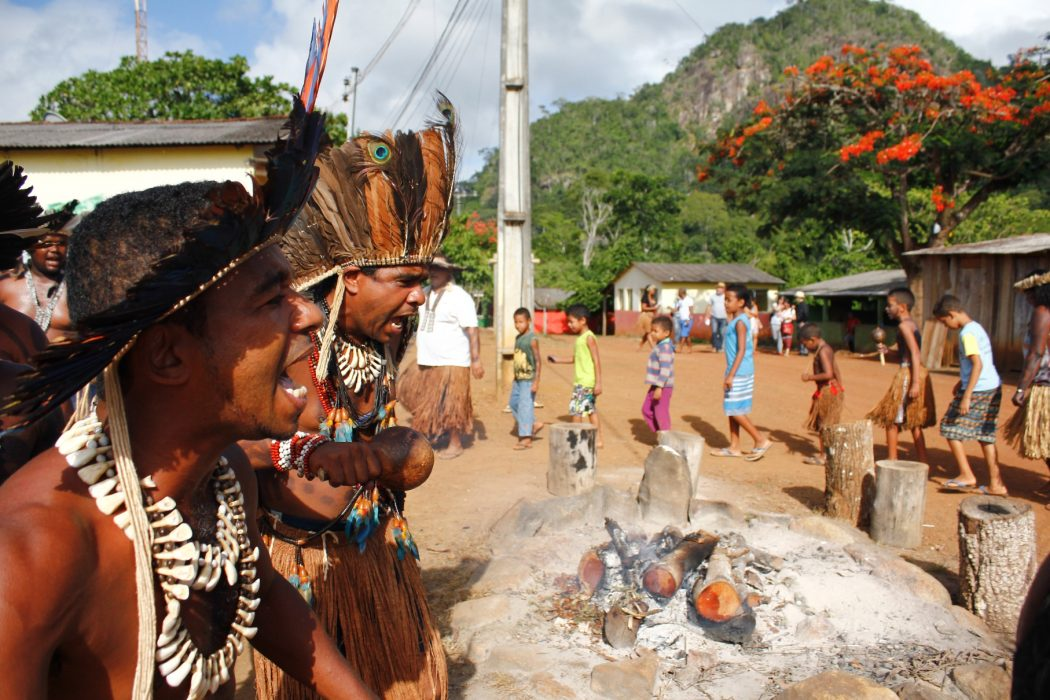 Tupinambá people from Olivença. Photo by Renato Santana