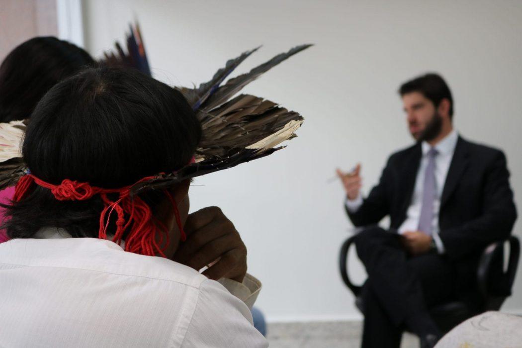 Indígenas Kinikinau, Terena e Guarani e Kaiowá participam de audiência na AGU. Foto por Adilvane Spezia da Ascom Cimi