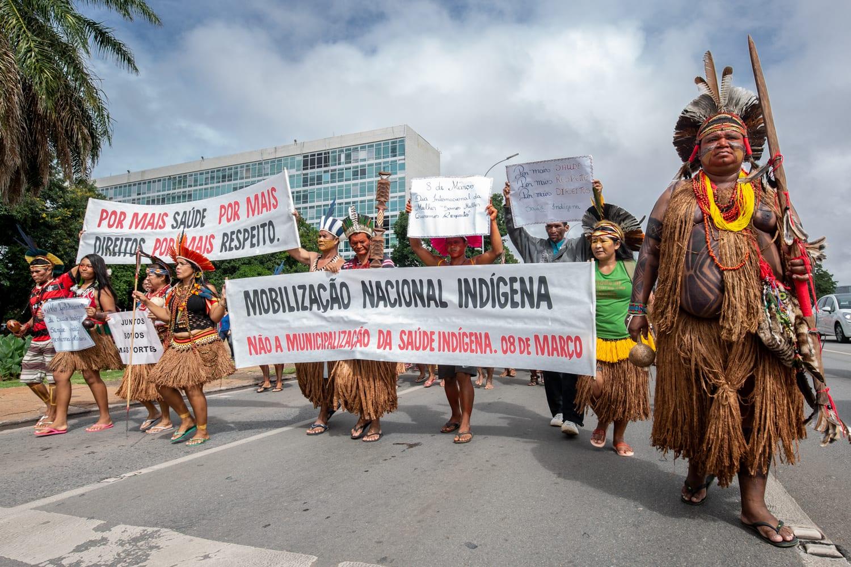 Mobilização dos povos Pataxó, Tupinambá e Pataxó Hã-Hã-Hãe contra a municipalização da saúde indígena, em Brasília. Foto: Tiago Miotto/Cimi
