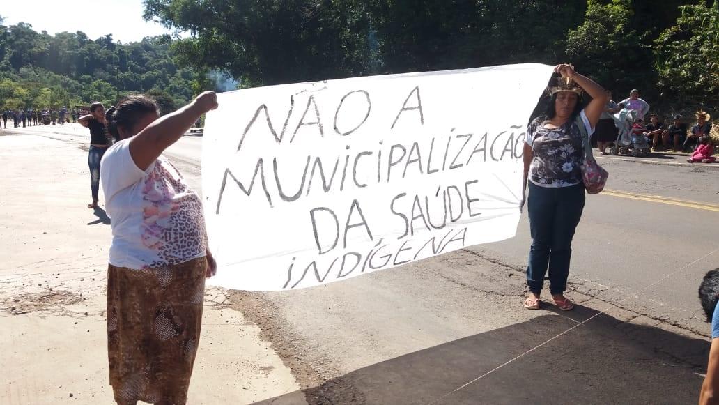 Mais de 500 Kaingang mobilizaram-se na BR-386, divisa entre Rio Grande do Sul e Santa Catarina. Foto: Ivan Cima/Cimi Regional Sul