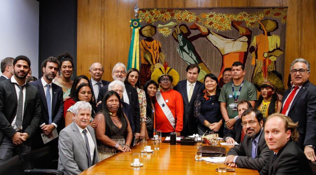 Presidentes da Câmara e do Senado comprometem-se a devolver Funai e demarcações ao Ministério da Justiça