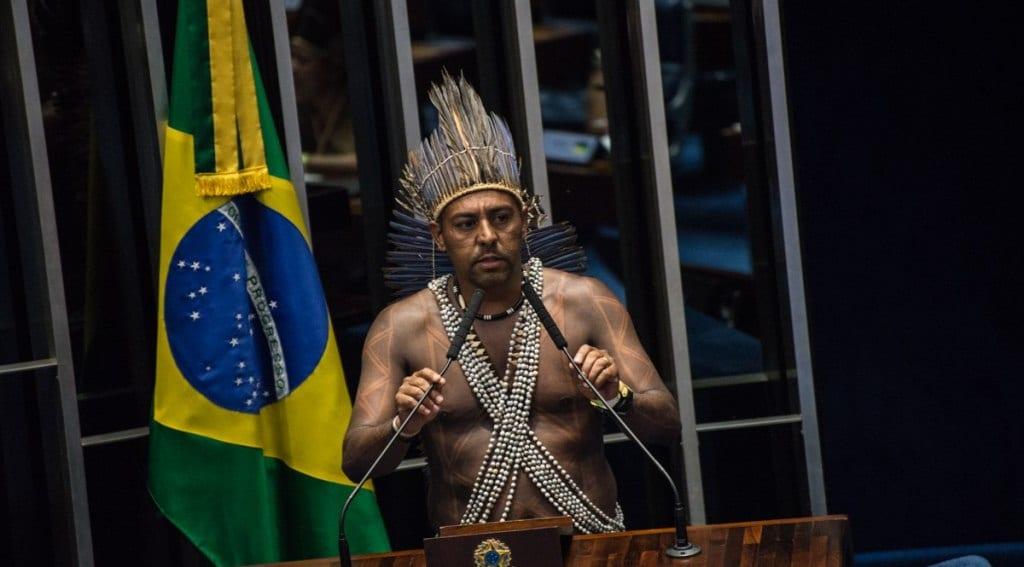 Senadores e Indígenas firmam aliança contra MP 870