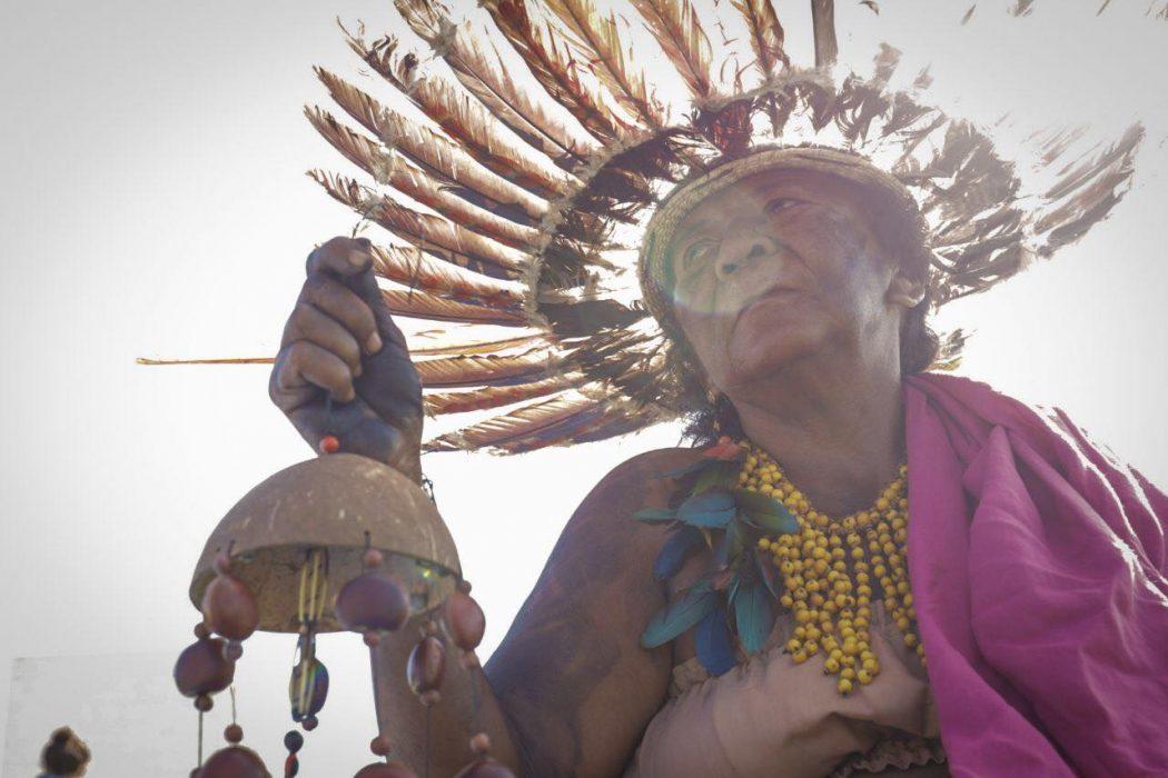 A presença indígena em Brasília visa sensibilizar os ministros do STF diante de uma conjuntura sem saídas políticas. Foto por Webert da Cruz