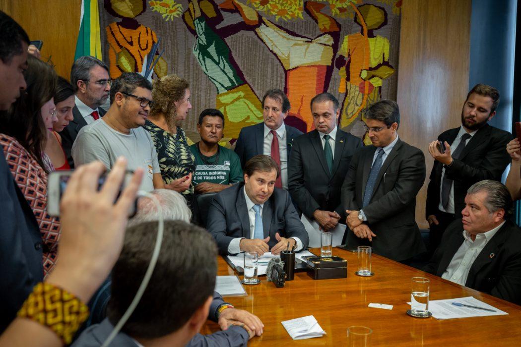 Indígenas pediram a Rodrigo Maia que não crie Comissão Especial da PEC 187. Foto: Tiago Miotto/Cimi
