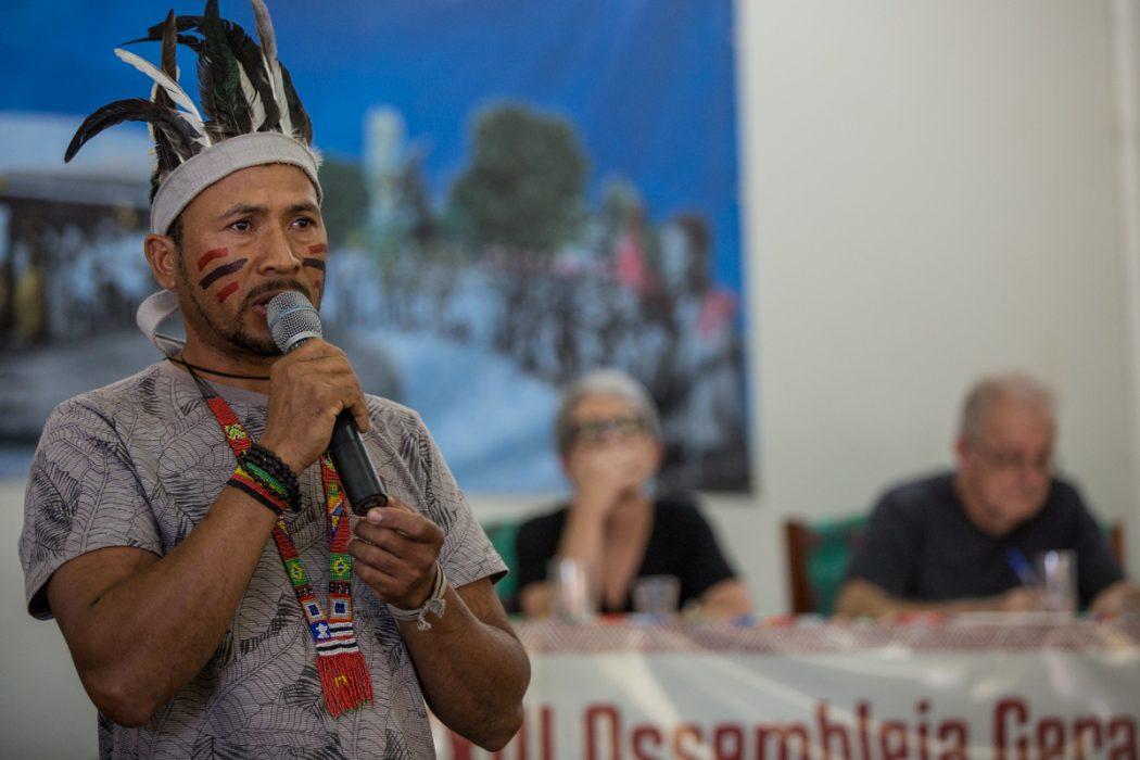 Robson, liderança Tremembé do Engenho, fala da luta de seu povo por seu território tradicional no Maranhão. Foto: Tiago Miotto/Cimi