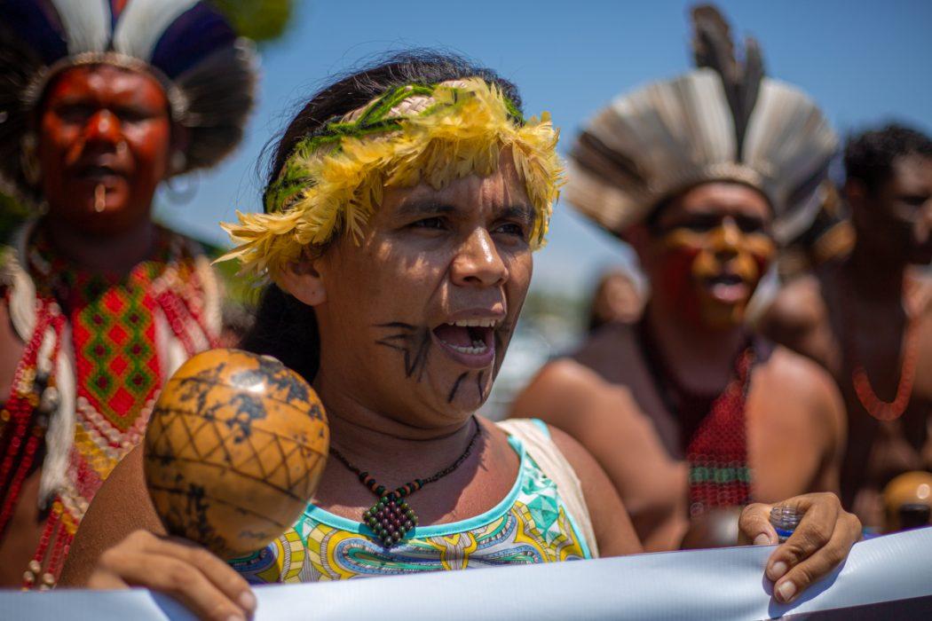 Marcha Pataxó e Tupinambá por demarcação de terras e contra o marco temporal, em Brasília. Foto: Tiago Miotto/Cimi