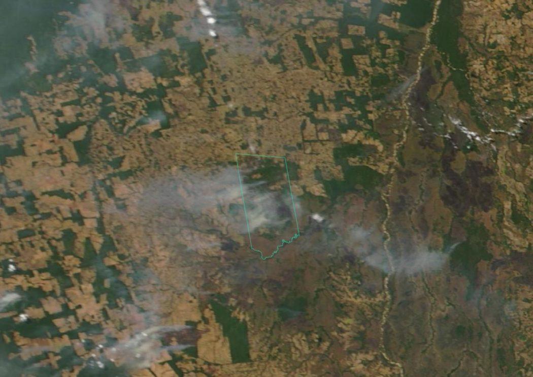 Imagem capturada no dia 10 de setembro de 2019 pelo satélite Terra, da Nasa, indica presença de fumaça de queimadas sobre a TI Urubu Branco. A imagem foi captada em meio ao período em que as queimadas varreram a terra indígena.