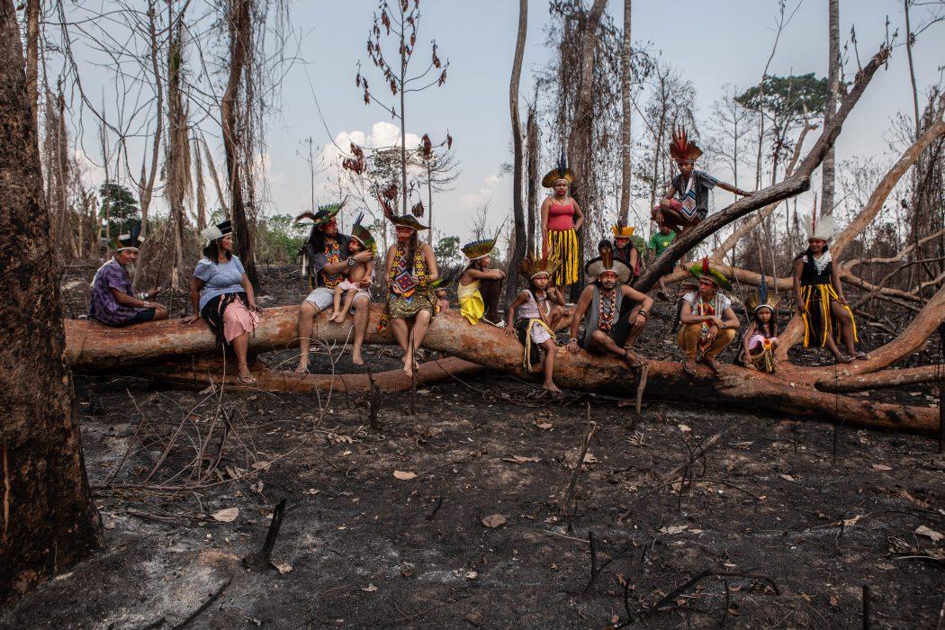 Queimadas devastaram território Huni Kui, em Rio Branco (AC), em 2019. Foto: Denisa Starbova