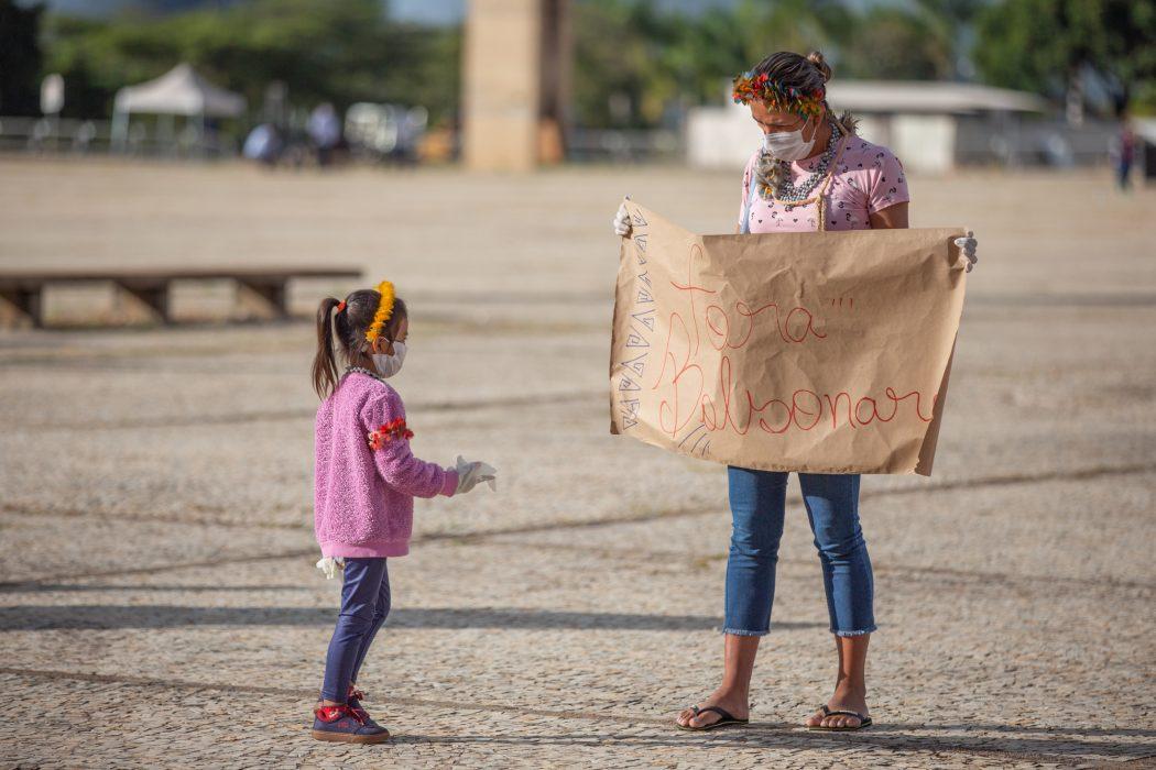 Manifestação dos povos indígenas em defesa de seus direitos constitucionais, em Brasília, no dia 19 de abril de 2021. Foto: Tiago Miotto/Cimi