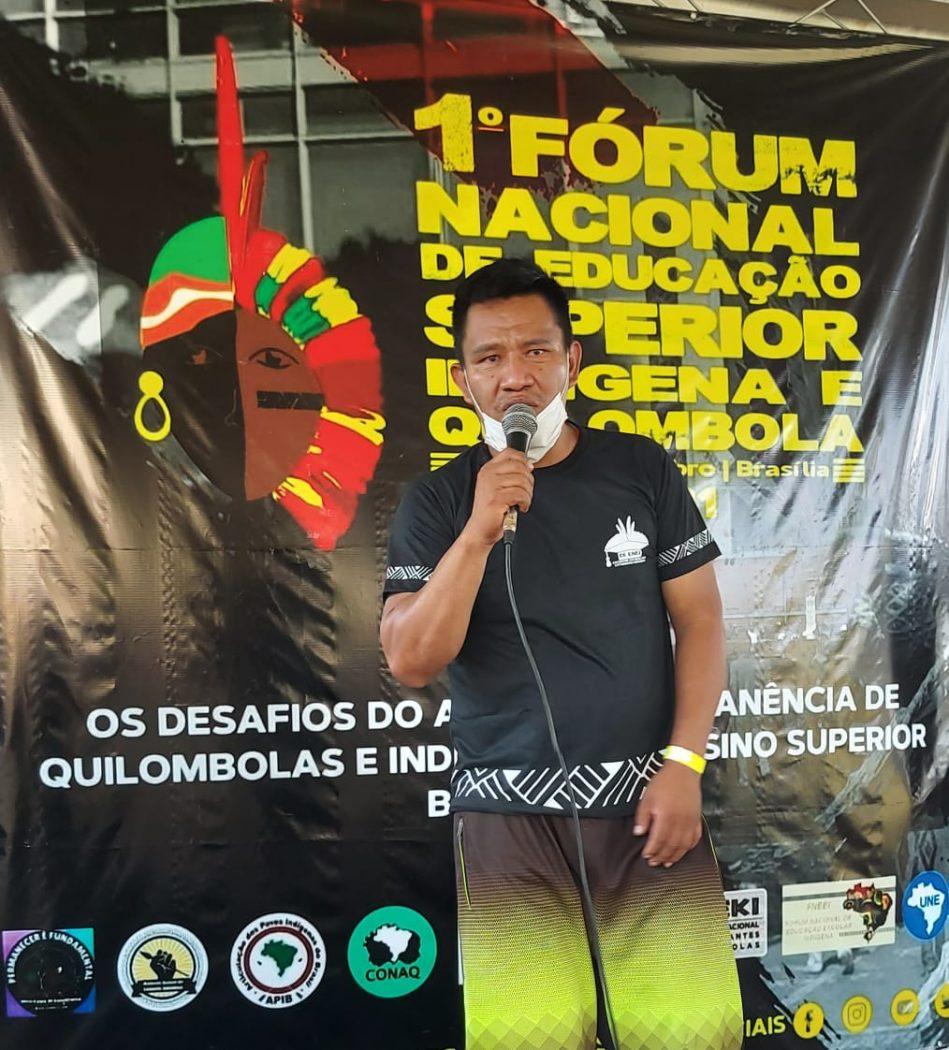Arlindo Baré na abertura do I Fórum Nacional de Educação Superior Indígena e Quilombola. Foto: Adi Spezia/Cimi
